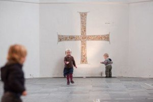 Kinderen in het koor van de Geertekerk